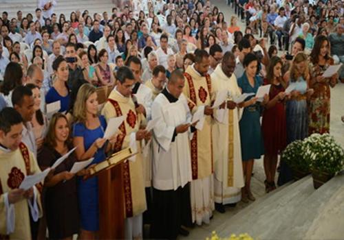 Missa de compromisso dos missionário da Comunidade Canção Nova em 2014