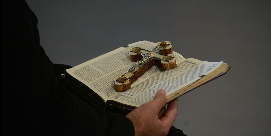 Oração e palavras de fé marcam programação da TV Canção Nova