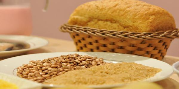 Saiba quais alimentos são benéficos no combate à osteoporose