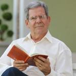 Professor Felipe Aquino explica o sacramento da crisma