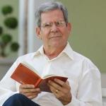 Estude os sacramentos da Igreja com professor Felipe Aquino