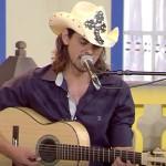 João Carreiro canta modas sertanejas na TV Canção Nova