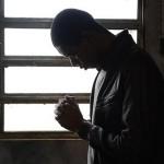 Após libertar-se das drogas, jovem recomeça a vida em Deus