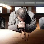 Aprenda a rezar pelos seus inimigos