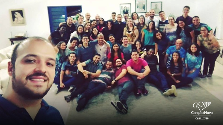 Membros da Canção Nova - Casa da Formação Inicial -Discipulado - Queluz (SP)