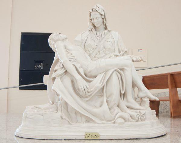 Nossa Senhora Pietá (Foto: Larissa Ferreira/cancaonova.com)