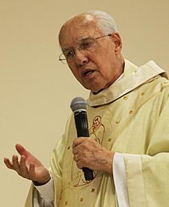 Monsenhor Jonas preside primeira Missa de Natal no santuário