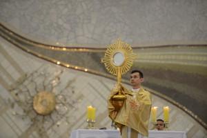 Foto Jesus Sacramentado - Santuário do Pai das Misericórdias