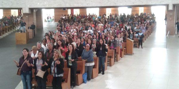 Peregrinos no primeiro dia do Tríduo em preparação para a Festa da Exaltação da Santa Cruz