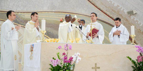 Padre Sóstenes Vieira, Padre Marcio Prado, Padre José Augusto, Padre Evandro Lima, Padre Marcos Valadares (Foto: Daniel Mafra/cancaonova.com)
