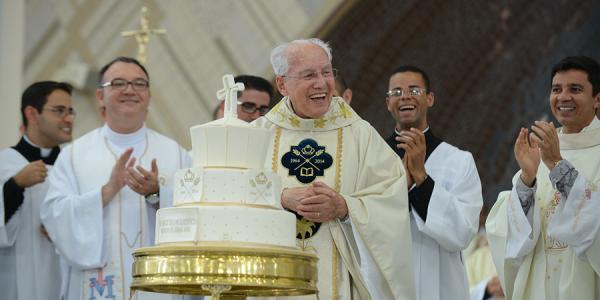 Monsenhor Jonas Abib na celebração das suas bodas de ouro sacerdotais; dezembro de 2014 (Foto: cancaonova.com)