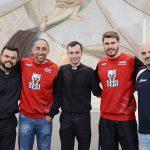 Atletas de vôlei Bruninho e Serginho visitam Santuário do Pai das Misericórdias