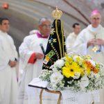 Imagem de Nossa Senhora Aparecida exposta durante o Ano Mariano