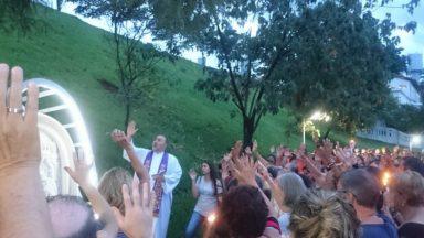 Santuário do Pai das Misericórdias realiza Procissão Luminosa