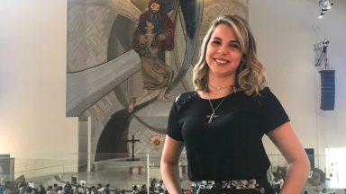 Cantora católica conta sua experiência com o Pai das Misericórdias