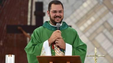 Nas provações, sejamos perseverantes | Padre Uélisson Pereira