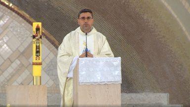 Maria, auxílio dos cristãos - Padre Leandro Couto (25/05/2020)