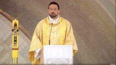 O Espírito Santo é o grande promotor da comunhão e da unidade - Padre Adriano Zandoná 28/05/2020