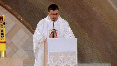 Somos chamados a fidelidade a Jesus e a sua igreja - Padre Leandro Couto (28/05/2020)