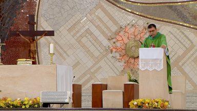 Romper com este mundo e voltar para Deus - Padre Leandro Couto (16/06/2020)