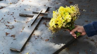 Obra de misericórdia corporal: enterrar os mortos