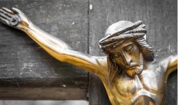 Jesus tomou sobre Si as nossas iniquidades