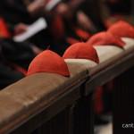 Cardeais fazem juramente de manter segredo durante Conclave, nesta segunda, 11.