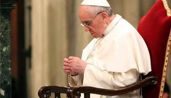 Papa encerra mês mariano na gruta dos jardins vaticanos