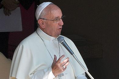 Venezuela deve vencer conflito com o diálogo, diz Papa