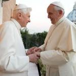 Francisco visita Bento XVI para as felicitações natalinas