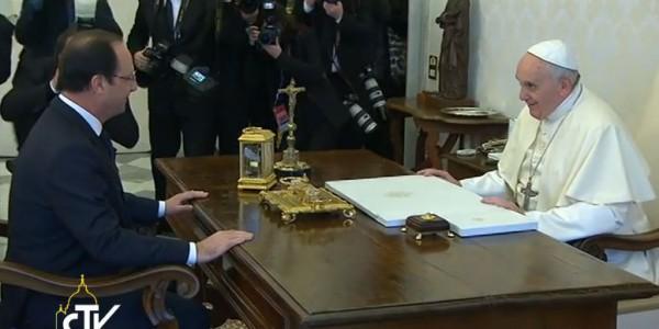 Papa encontra-se com o presidente da França