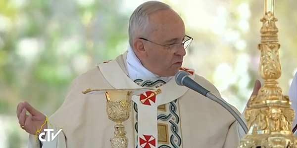Papa Francisco preside Missa de Páscoa no Vaticano