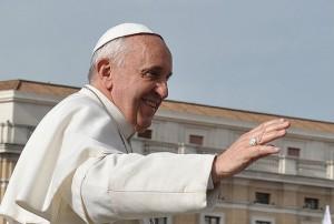 Papa presenteará fiéis com Evangelho de bolso