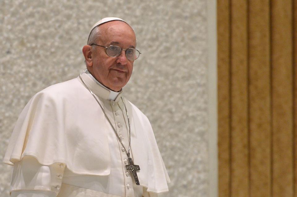 Adiada visita de Francisco ao Santuário do Divino Amor