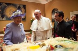 Rainha Elizabeth II visita o Papa Francisco no Vaticano