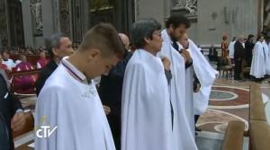 Papa celebra Vigília Pascal e pede: retornem à Galileia