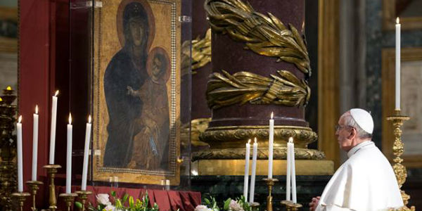 Em visita à basílica, Papa agradece por viagem à Terra Santa