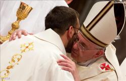 papa_ordena novos sacerdotes