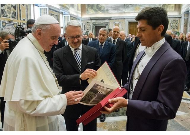 papa e magistrados