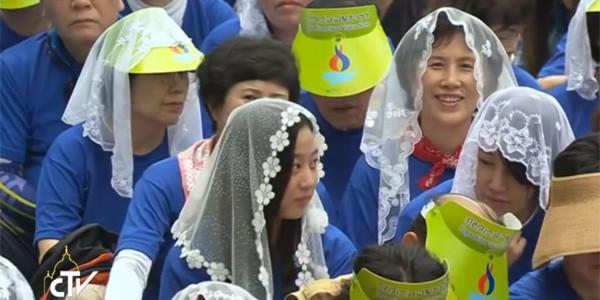 Coreanas participam da Missa com o Papa Francisco / Foto: Reprodução CTV