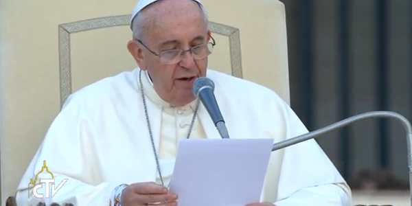 Deus quer pessoas livres, diz Papa aos jovens coroinhas