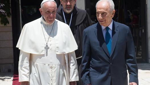 Papa e Shimon Peres durante a viagem de Francisco à Terra Santa em meio deste ano / Foto: Arquivo-L'Osservatore Romano