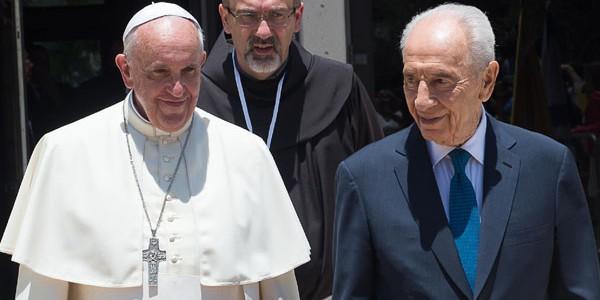 Papa e Shimon Peres juntos em maio na Terra Santa / Foto: Arquivo - L'Osservatore Romano
