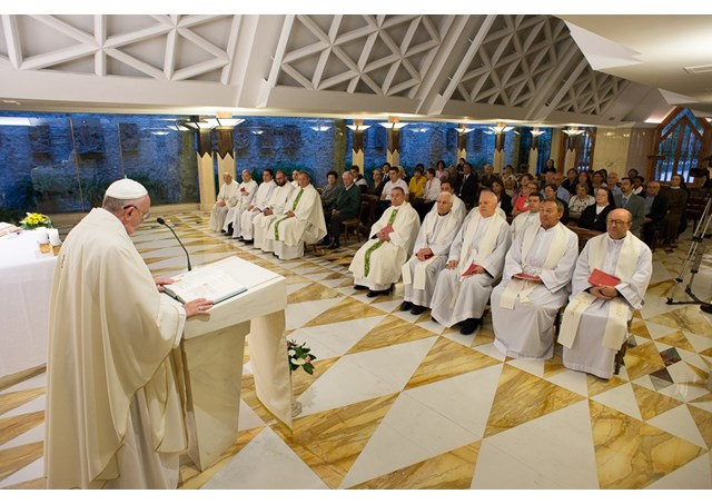 Santo Padre fala da necessidade de ouvir a Palavra de Deus com os ouvidos e o coração / Foto: L'1Osservatore Romano