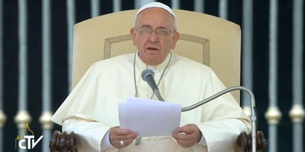 Papa Francisco na catequese de hoje com os fiéis na Praça São Pedro / Foto: Reprodução CTV