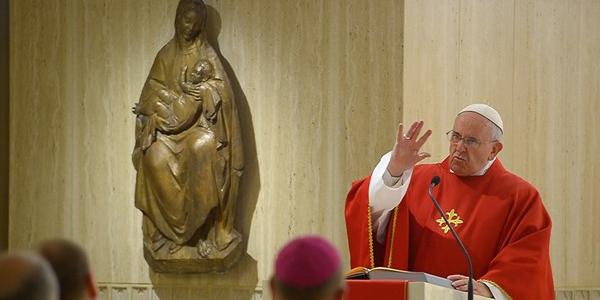 Francisco diz que a Igreja é fiel a Cristo quando é pobre e humilde / Foto; L'Osservatore Romano