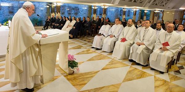 Francisco fala aos fiéis sobre importância de não buscar o próprio interesse, e sim o bem do outro / Foto: L'Osservatore Romano