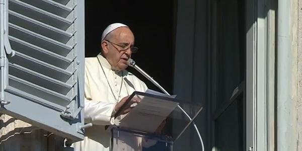 Francisco reza o Angelus no dia da Imaculada Conceição / Foto: Reprodução CTV