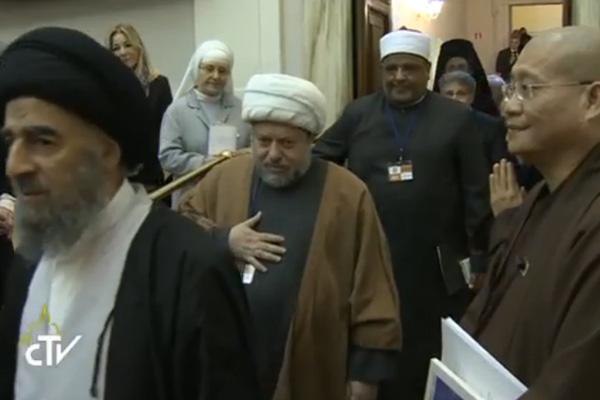 Líderes de diferentes religiões participaram do encontro / Foto: Reprodução CTV