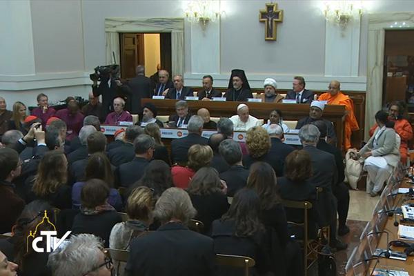 Papa Francisco e líderes religiosos juntos pelo fim da escravidão moderna / Foto: Reprodução CTV